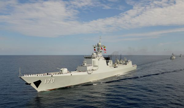 中方批美舰在南海违法挑衅:严重危害地区和平