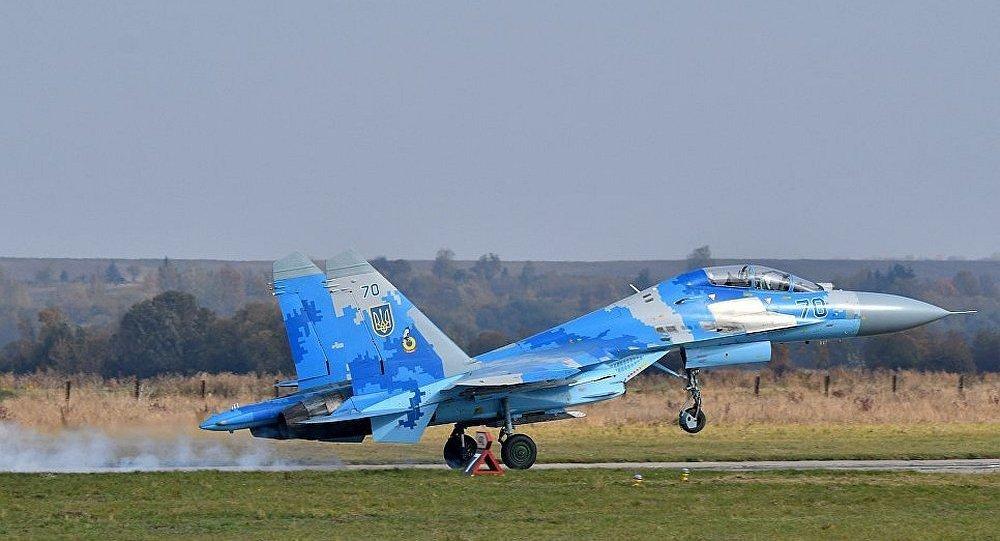 乌克兰一架苏-27战斗机失事